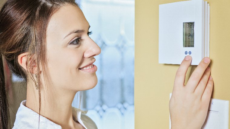 There are many ways to use a programmable thermostat to reduce energy use.